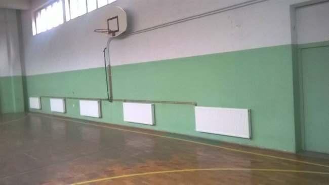 Postavljeni radijatori u školskoj sali