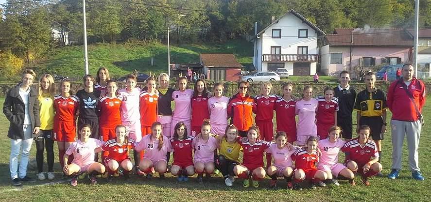 Zajednička fotografija pred utakmicu u Doboju