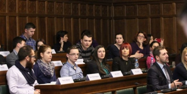 Osnovano Federalno vijeće mladih koje će s vlastima raditi na rješavanju problema mladih ljudi