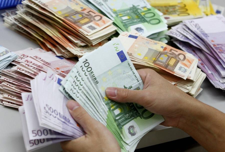 BiH umjereno zadužena država, komšije plivaju u dugovima