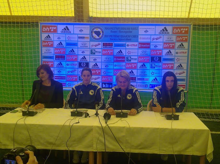 Press ženske nogometne reprezentacije