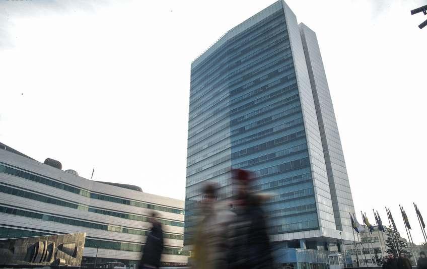 Državne institucije i firme u BiH imaju 240.000 zaposlenih