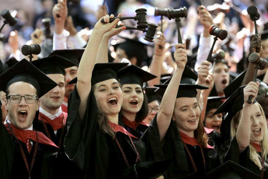Nikad više univerziteta, a manje obrazovanih
