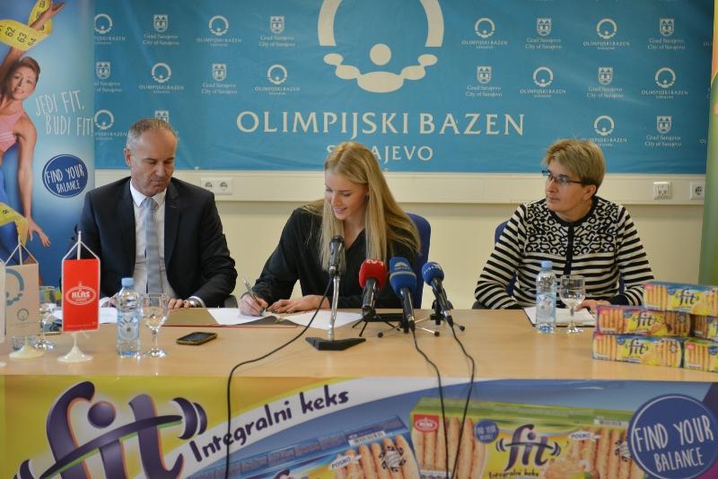 Klas i najbolja bh. plivačica Amina Kajtaz potpisali sponzorski ugovor