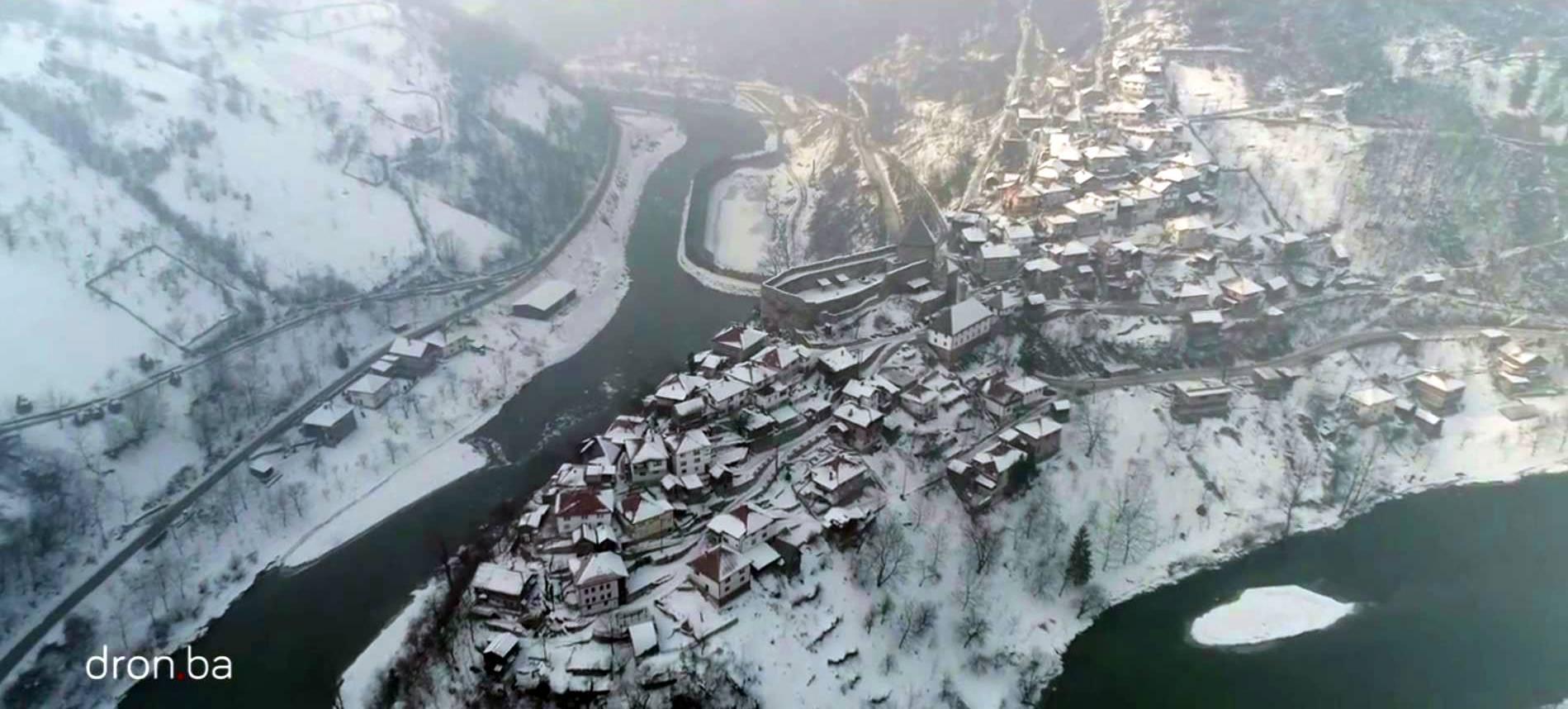 Pogledajte video ove jedinstvene lokacije iz zraka, te čim vam se ...