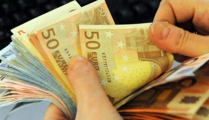 Ukoliko se iz BiH iznosi više od 10.000 eura neophodna prijava