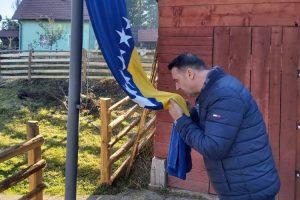 Udruženje Domovina - Hiljadu zastava